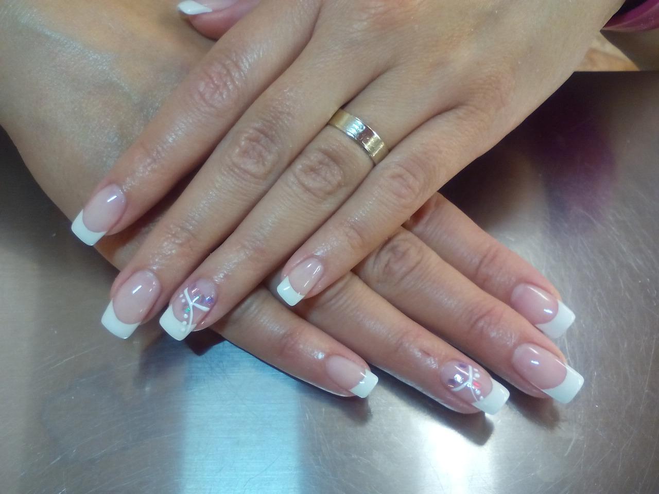Ideas para una manicura de novias